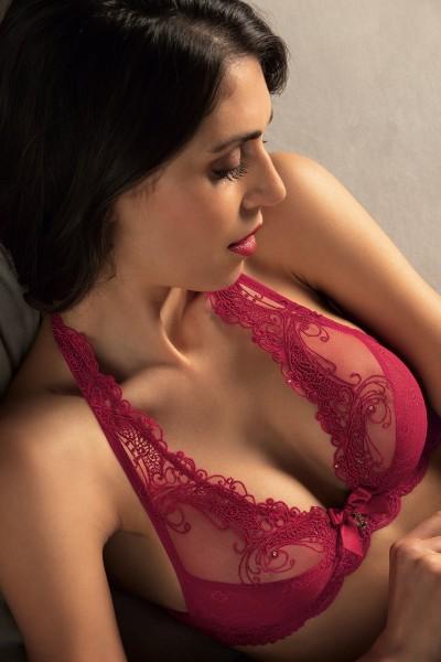 Lise Charmel-Dessous-A03-Venise-ACA7403-Rouge-RV2439-Triangel BH-1